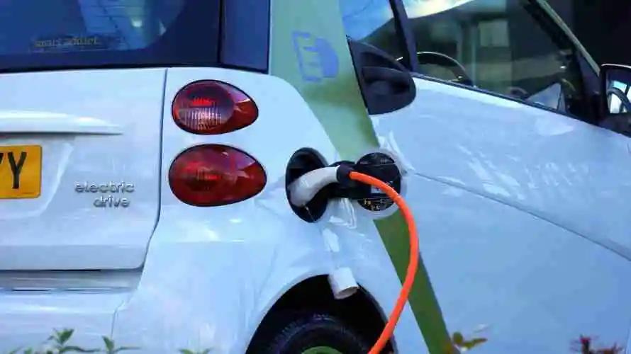 今年新能源车行业或大洗牌!汽车板块哪家强?